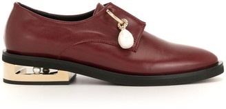 Coliac Pendant Detail Low-Heel Loafers