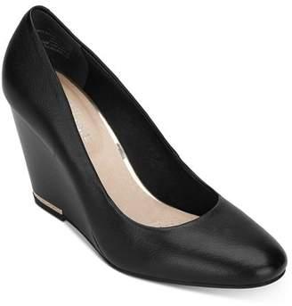 Kenneth Cole Women's Merrick Wedge Heel Pumps