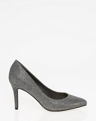 Le Château Metallic Pointy Toe Pump