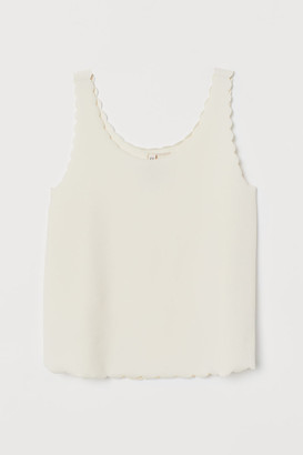H&M Scallop-edged vest top