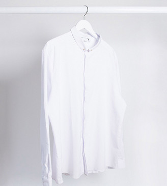 ASOS DESIGN Plus slim fit textured penny collar shirt with collar bar in white