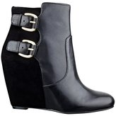 GUESS Ulfred Wedge Ankle Booties