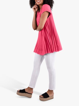 Live Unlimited Curve Pleated Top