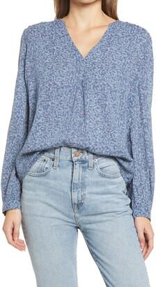 Caslon V-Neck Long Sleeve Crinkle Crepe Shirt