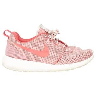 Nike Roshe Run Pink Cloth Trainers