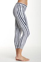 Hue Striped Denim Capri Leggings