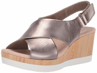 Clarks Women's Cammy Pearl Wedge Sandal Black Leather 095 W US