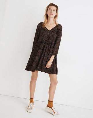 Madewell Crinkle Georgette V-Neck Babydoll Dress in Brushed Texture