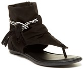 Mia Hayat Hooded Sandal (Little Kid & Big Kid)
