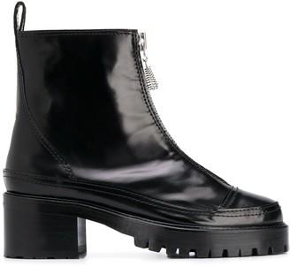 Nicole Saldaña Chris boots