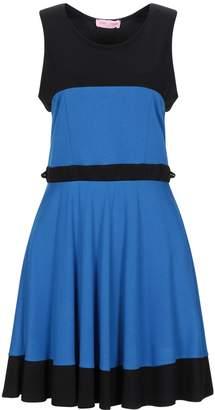 Très Jolie Short dresses