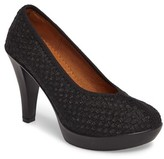 Bernie Mev. Women's 'Legend' Platform Pump