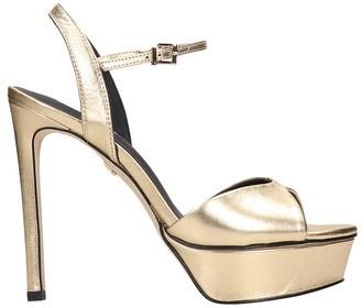 Lola Cruz Sandals In Gold Leather