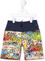 Junior Gaultier graffiti print shorts - kids - Cotton - 8 yrs