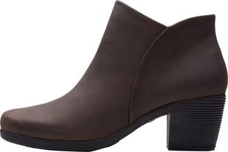 Clarks Un Lindel Zip Womens Ankle Boots
