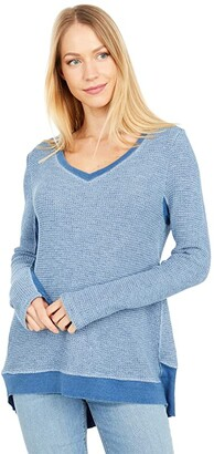 Dylan by True Grit Perfectly Faded Indigo Waffle V-Neck Tee (Light Denim) Women's Clothing