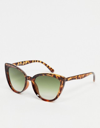 A. J. Morgan AJ Morgan cat eye sunglasses in tortoise shell