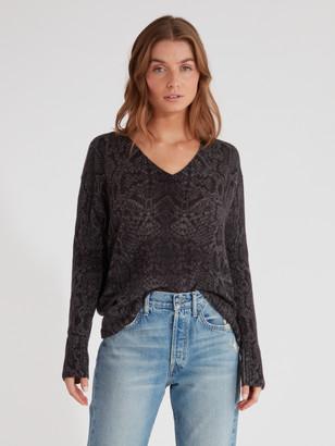 360 Cashmere Sydney V-Neck Cashmere Sweater