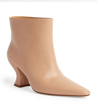 Bottega Veneta Leather Almond Ankle Boots 75