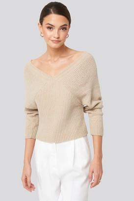 NA-KD V-Neck Lace Stitch Detail Sweater Beige