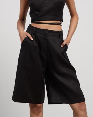 Aere Linen Bermuda Shorts