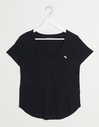 Abercrombie & Fitch v neck t-logo t-shirt in black