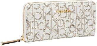 Calvin Klein SLGS MONOGRAM WALLET ALMOND/KHAKI/CAMEL 832 Brown