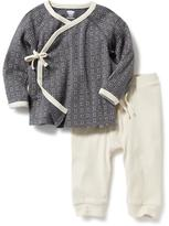 Old Navy 2-Piece Printed Tee and Pants Set for Baby