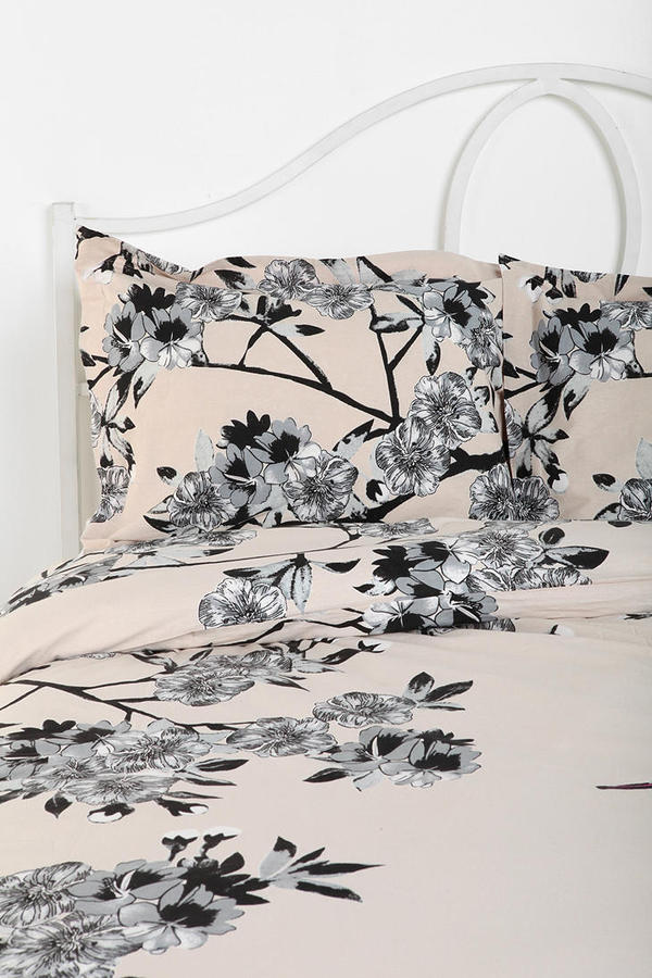 Urban Outfitters Plum & Bow Bird Blossom Sham - Set Of 2