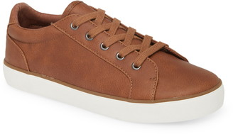 1901 Lace Up Sneaker