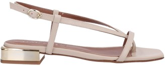 MARTINEZ Toe strap sandals