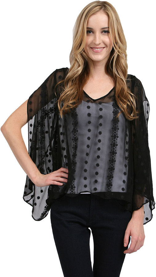 Zoa V Neck Long Sleeve Blouse in Black
