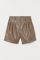 H&M Imitation leather shorts