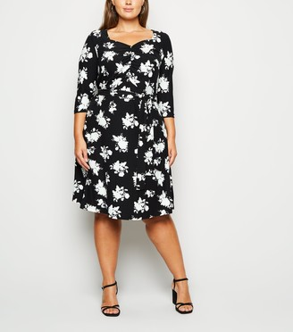 New Look Curves Floral Ruched Dress