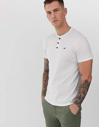 Hollister icon logo henley t-shirt in brilliant white