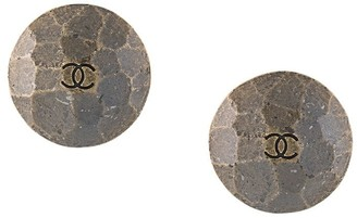 Chanel Pre Owned CC logo button earrings