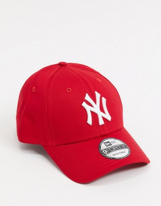 New Era 9Forty cap in red