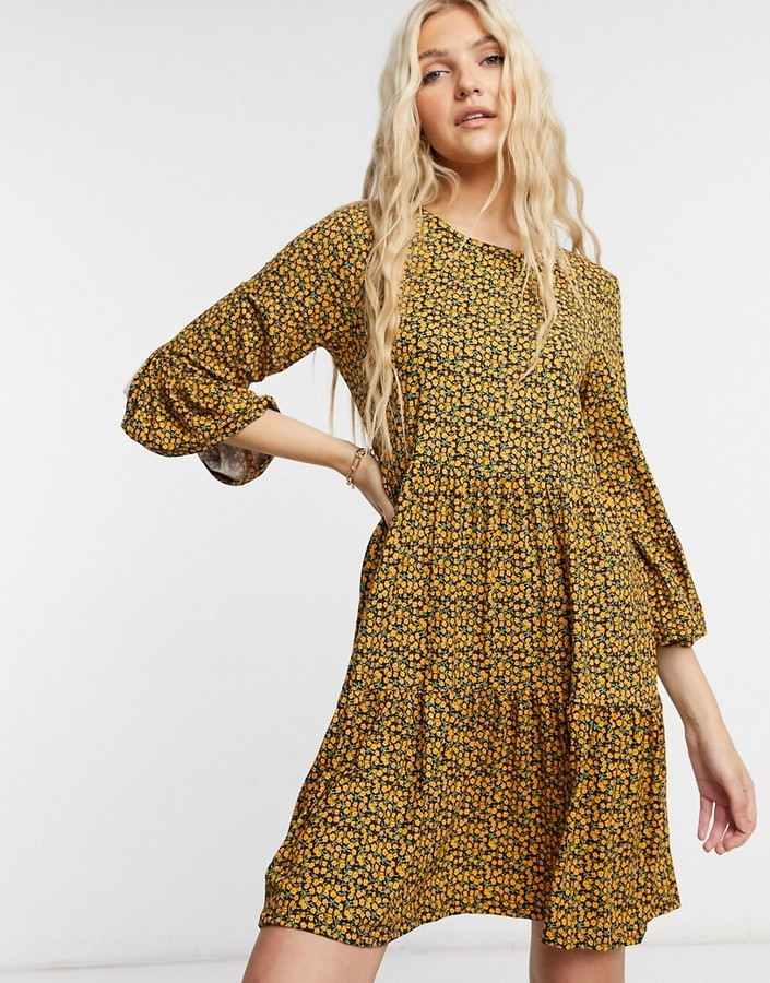 Thumbnail for your product : Qed London soft touch tiered mini smock dress in micro-floral