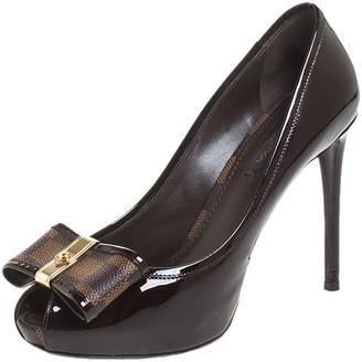 Louis Vuitton Dark Brown Patent Leather And Damier Monogram Bow Valentine Peep Toe Pumps Size 37