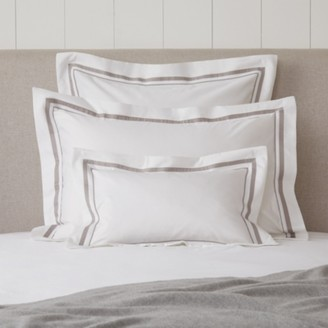 The White Company Cavendish Breakfast Oxford Pillowcase, White Mink, Rectangle