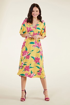Yumi Hibiscus Flower Kimono Midi Dress