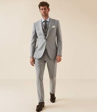 Reiss Relief - Modern Fit Three Piece Travel Suit in Soft Grey