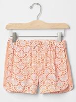 Gap Lotus dolphin shorts