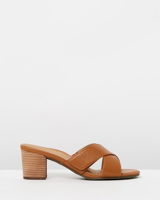 Vionic Lorne Slide Sandals