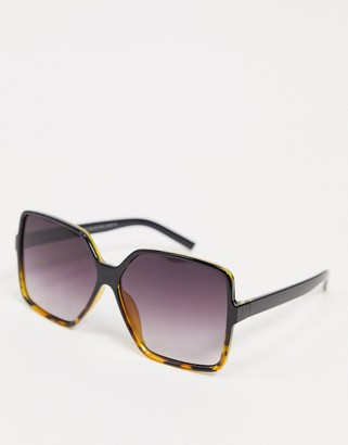 SVNX round sunglasses in tortoise shell with pink ombre lens