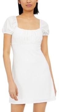 B. Darlin Juniors' Puff-Sleeve Crinkle Dress