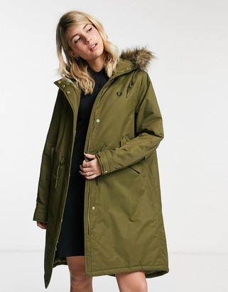 Fred Perry padded fishtail parka in olive