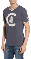 American Needle Men's Eastwood - Chicago Cubs V-Neck T-Shirt
