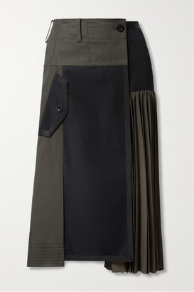 Sacai Paneled Pleated Grosgrain-trimmed Cotton-blend Twill And Wool Midi Skirt - Gray green
