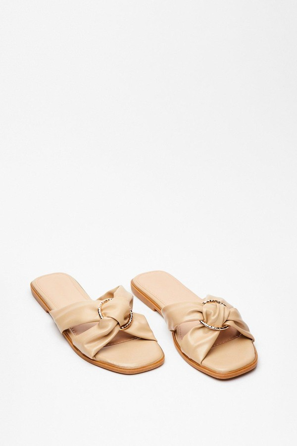 Womens We're Going in Circles Criss Cross Flat Sandals - Beige - 4